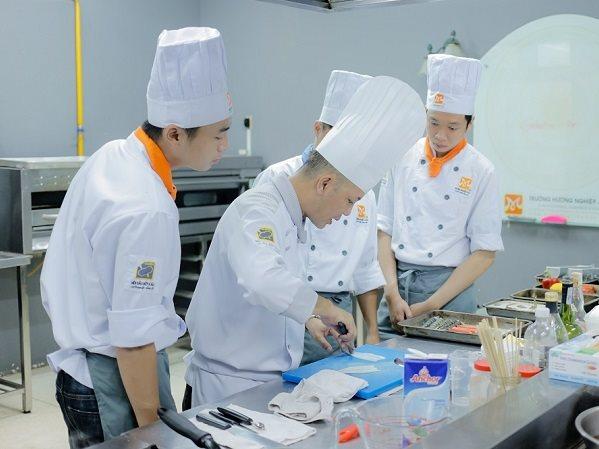 Học phí học nấu món Nhật là bao nhiêu?