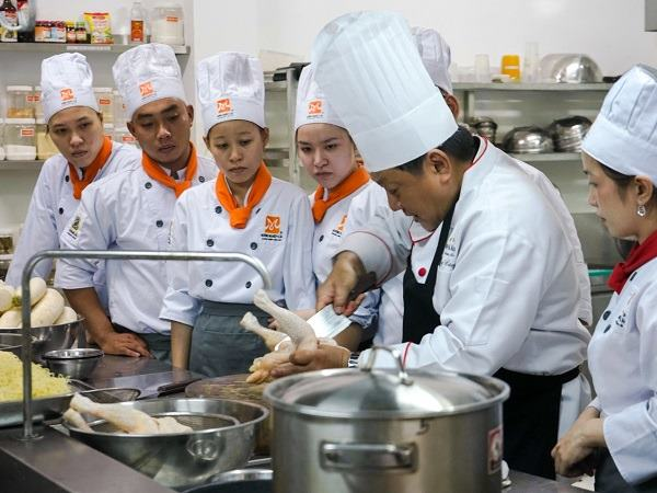 học nấu món việt phù hợp với nhiều người