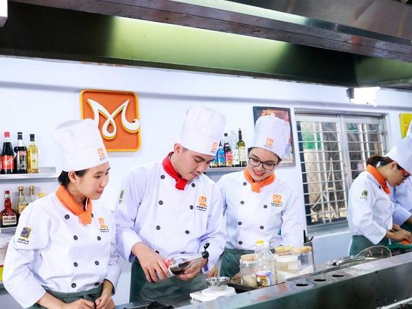kỹ năng làm việc nhóm tốt của đầu bếp