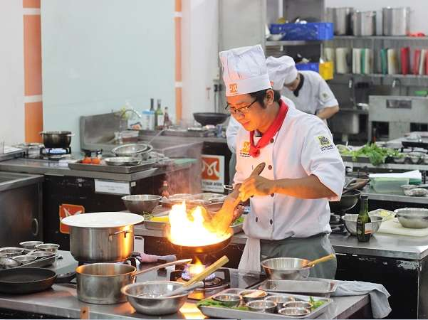 Khóa Học Nấu Ăn Ngắn Hạn Tại TPHCM