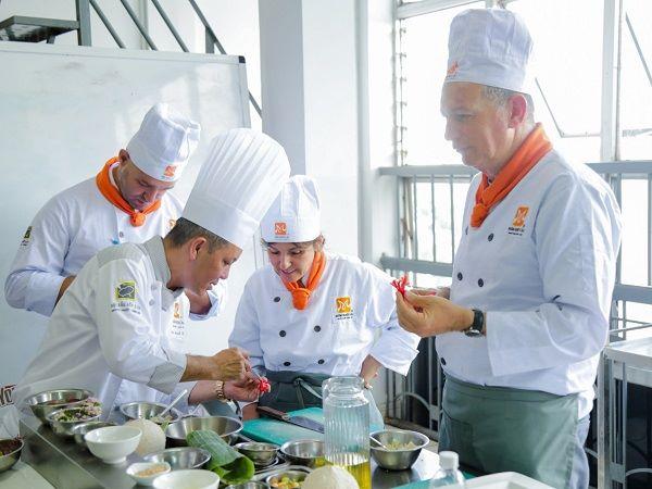 nghề đâu bếp có thu nhập rất hấp dẫn